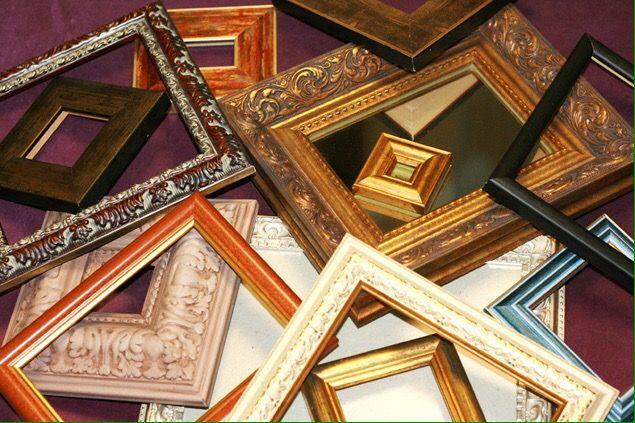 рамки из благородной древесины в мастерской Жираф