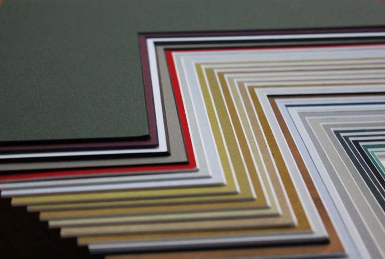 Цвет и текстура способны сделать темное изображение более утонченным в мастерской Жираф